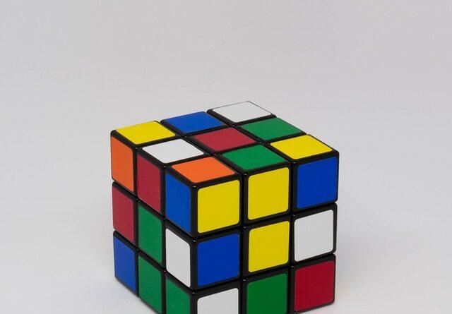 cubo rubik para entrenar el cerebro